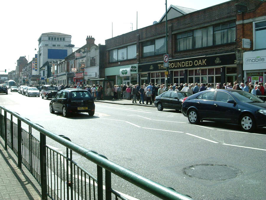 View of the queue from the Tooting Broadway end of the street